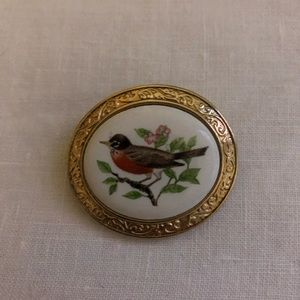 Avon Vintage Welcoming of Spring The Robin Brooch